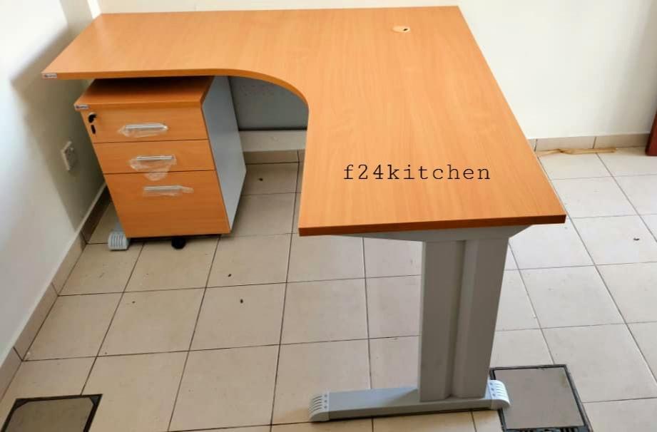 pengedar meja pejabat3